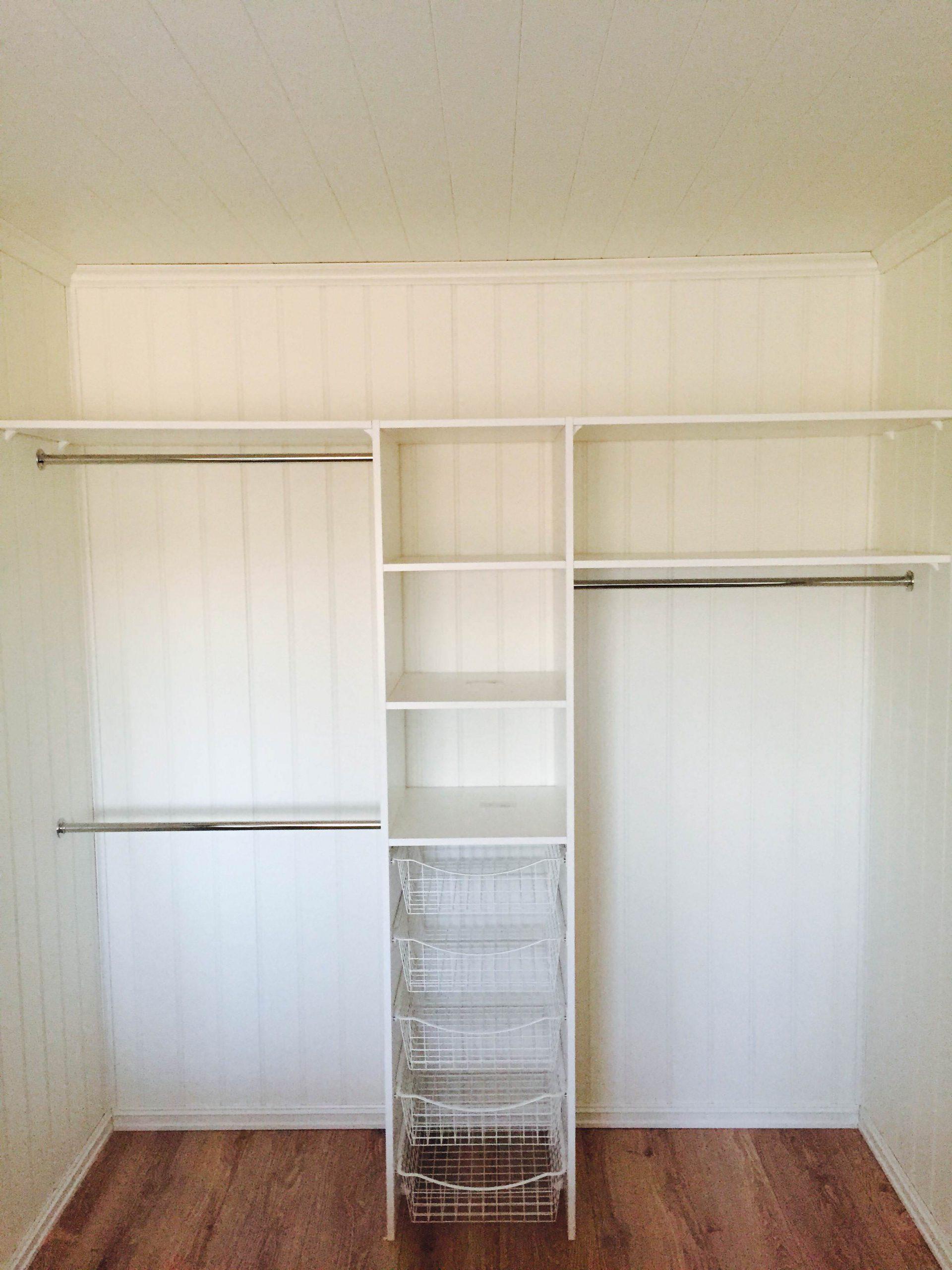 Garderobe med hylle