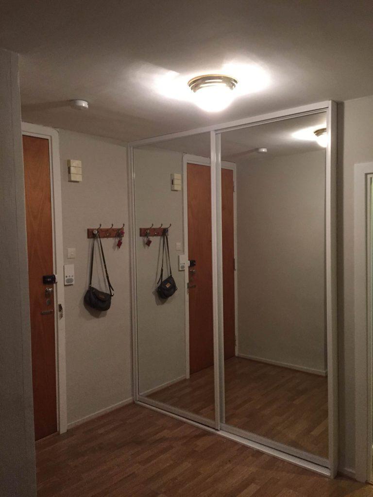 skyvedører fra garderobegutten